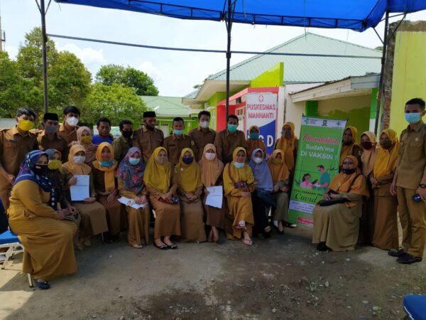 Vaksinasi COVID-19 Guru dan Pegawai UPTD SMP Negeri 20 Sinjai